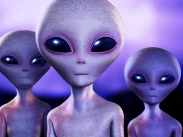 """Con người vô tình làm lộ vị trí suốt 100 năm, thành """"miếng mồi"""" cho người ngoài hành tinh?"""
