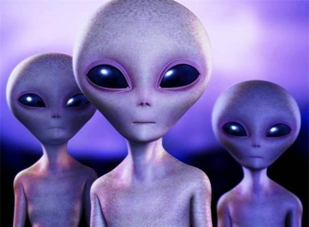 """Con người vô tình làm lộ vị trí suốt 100 năm, thành """"miếng mồi"""" cho người ngoài hành tinh? - 1"""