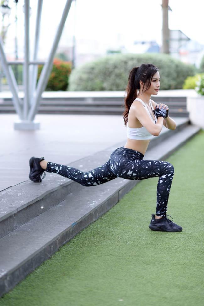 Nhiều nghiên cứu cho thấy chỉ cần 30 phút tập luyện mỗi ngày sẽ giúp bạn khỏe mạnh và giữ dáng.TheoBright Side,trong khi bạn tập luyện, tỷ lệ trao đổi chất tăng, độ đậm đặc của máu tăng do đócác tế bào nhậnthêm nhiều oxy và dinh dưỡng từ máu.