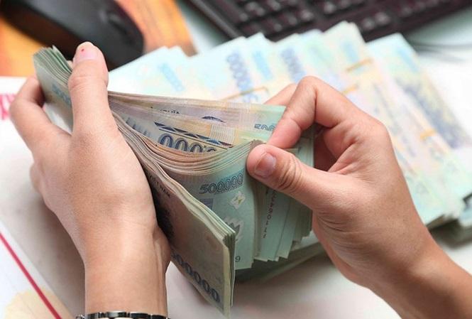"""NHNN cảnh báo các ngân hàng """"lách"""" tăng lãi suất sẽ bị xử lý - 1"""