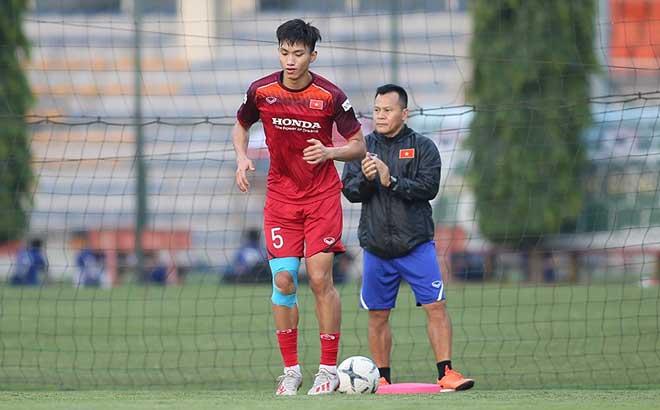 HLV Park Hang Seo tiết lộ bất ngờ hợp đồng Văn Hậu thi đấu ở Hà Lan: Dấu hỏi dự SEA Games - 1
