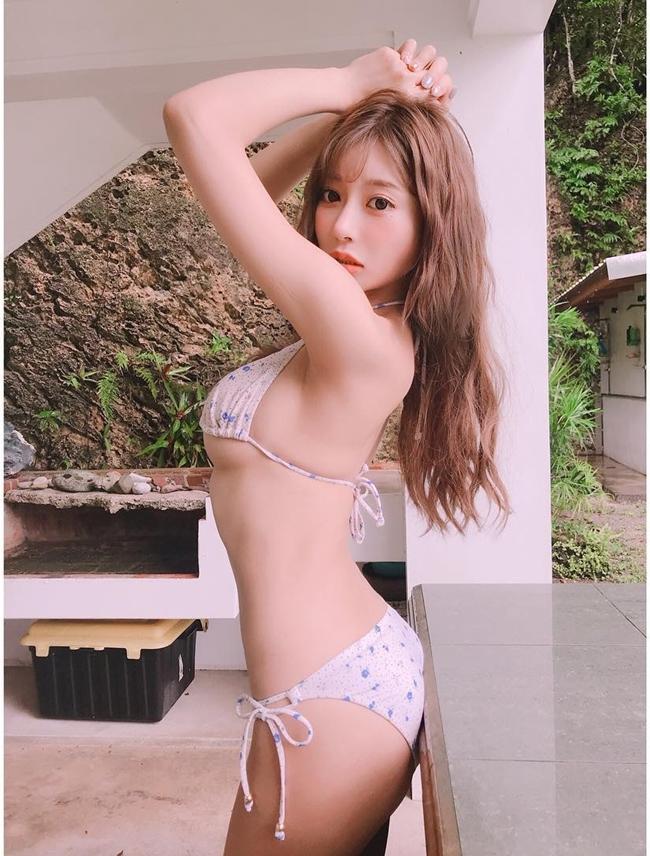 """Dự kiến phòng khám tư của Kirara sẽ khai trương đúng dịp sinh nhật lần thứ 31 của người đẹp (2.10). Gần đây, cô cũng thực hiện một bộ ảnh chân dung quảng cáo cho dự án kinh doanh mới của mình. Tờ Setn của Đài Loan nhận định, cựu diễn viên 18+ là người thông minh, nhạy bén, có đầu óc kinh doanh. Phần lớn các nữ diễn viên 18+ sau khi """"nghỉ hưu"""" đều rơi vào cảnh sống túng thiếu. Một số người đẹp còn quay lại đóng phim vì thiếu tiền sinh hoạt. Tuy nhiên, Asuka Kirara là trường hợp đặc biệt. """"Cô ấy đang hướng đến hình ảnh một nữ doanh nhân thành đạt"""", tờ Setn khẳng định."""