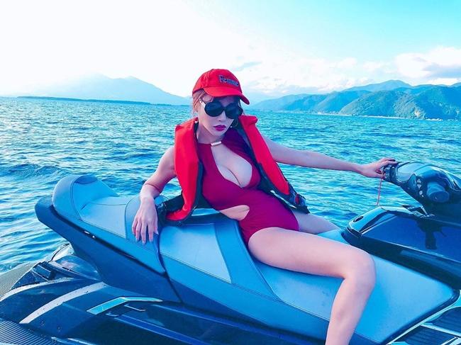 Nữ diễn viên 30 tuổi khoe ảnh trong chuyến du lịch gần đây.