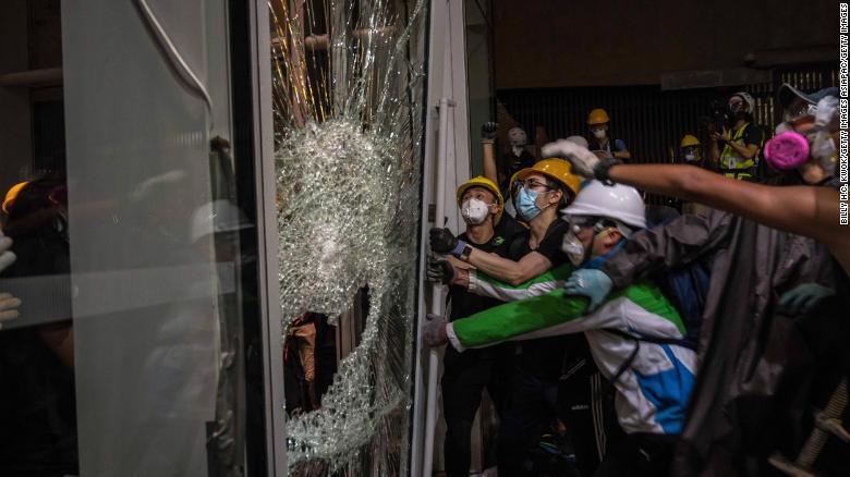 Nhìn lại cuộc biểu tình kéo dài gần 3 tháng qua ở Hong Kong - 1