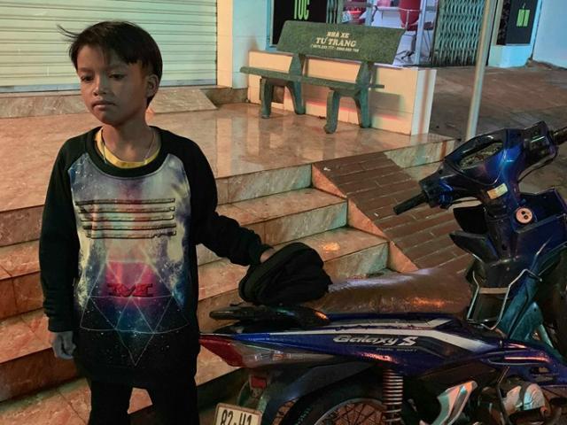 Hoàn cảnh gia đình cháu bé 'đi lạc' gần 300km bằng xe máy