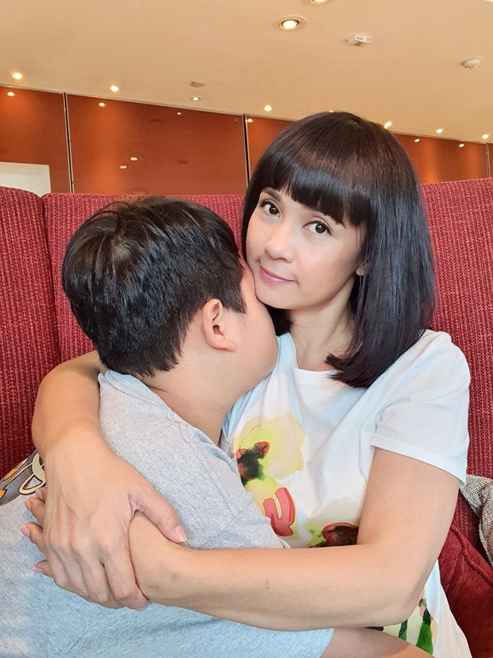 Việt Trinh lần đầu chia sẻ về con trai 10 năm nay giấu kín - 1