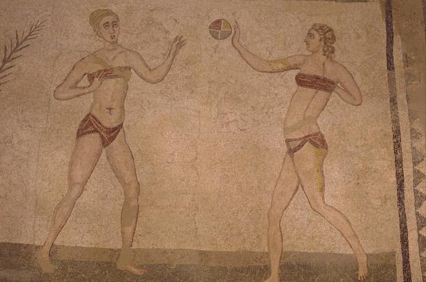 Lịch sử bikini: Từng là bộ đồ bị giáo hội cấm cửa - 1