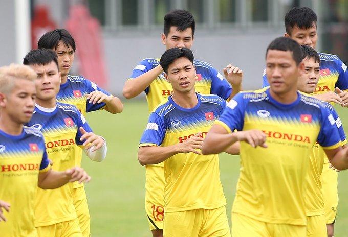 Các cầu thủ Việt Nam cắt những kiểu tóc gì để chuẩn bị thi đấu? - 1