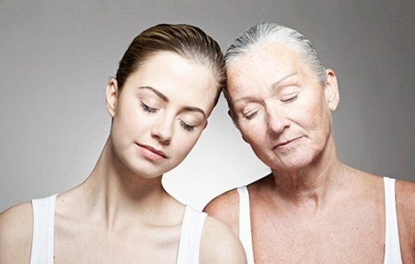 """Cơn ác mộng """"già hơn tuổi thật"""" và bí mật để trẻ mãi dù đã 70 tuổi - 1"""