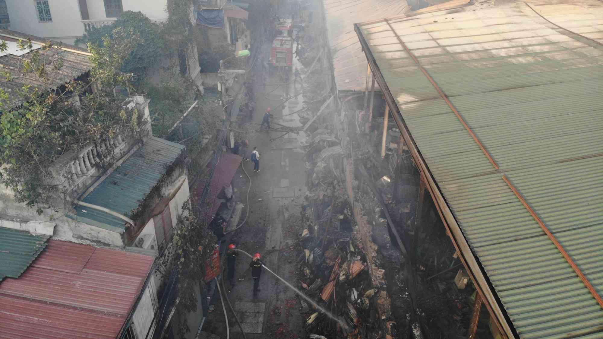 Vụ cháy kho Công ty Rạng Đông: Trưng cầu điều tra mức độ ô nhiễm - 1
