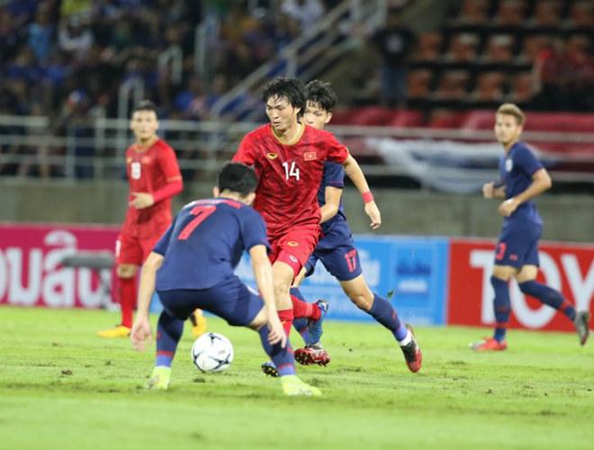 """Bất ngờ fan Thái Lan """"phát cuồng"""" 1 SAO Việt Nam, khen hay nhất trận - 1"""