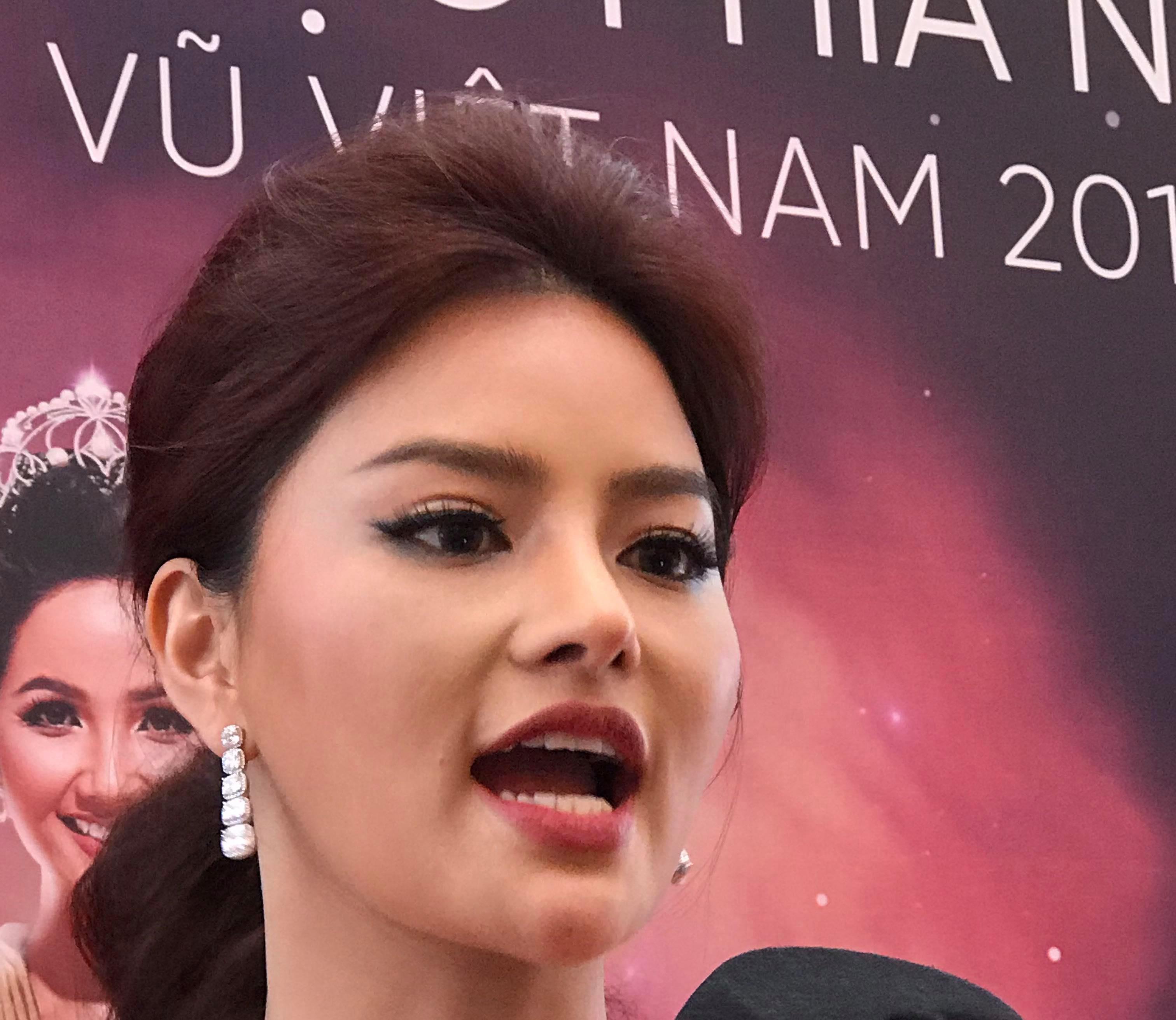 """Vì sao cựu mẫu Vũ Thu Phương lại bị """"nghi"""" phẫu thuật thẩm mỹ? - 1"""