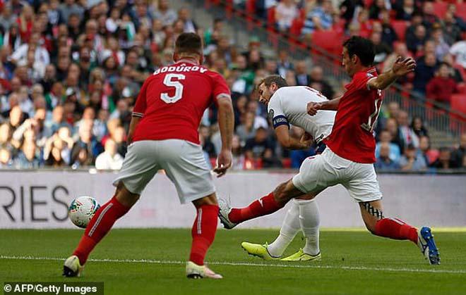 Video highlight trận ĐT Anh - Bulgaria: Hat-trick siêu sao, đòi lại ngôi đầu (Vòng loại Euro) - 1
