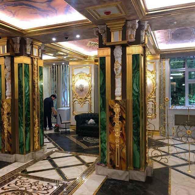 Tỷ phú người Nga biến trường học cũ của mình thành một cung điện dát vàng