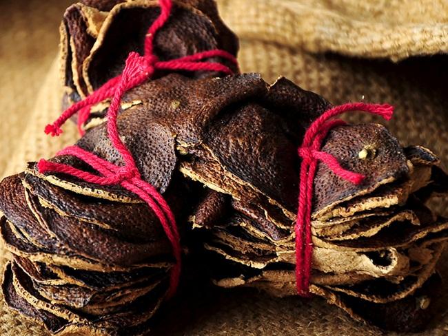 Quả quýt không mấy xa lạ với người Việt. Nhưng sau khi ăn quả quýt, phần vỏ thường bịbỏ đi. Trong khi đó, có những nơi người ta lấy vỏ quýt để phơi khôdùng trong y học và nấu ăn.