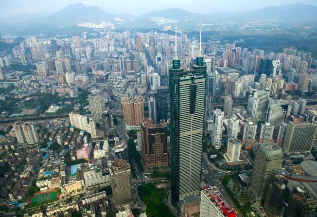 Hong Kong bất ổn, liệu có bị Thâm Quyến soán ngôi trung tâm tài chính? - 1