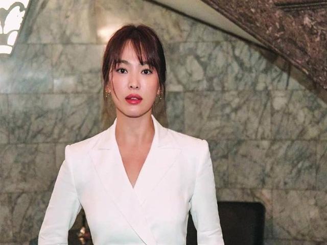Tips để trang điểm sương khói đẹp như Song Hye Kyo