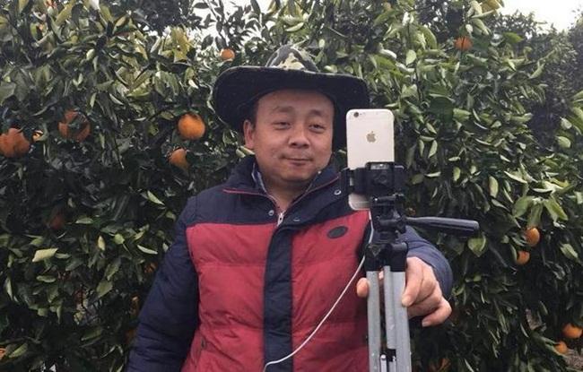 Taobao đặt mục tiêu 1000 người nông dân phát livestream tại 100 địa phương trong năm nay giúp họ kiếm 10.000 nhân dân tệ/tháng.