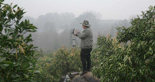 Hai năm sau, ông Zhong thấy nhiều nông dân trên khắp cả nước Trung Quốc cũng phát trực tuyến để quảng cáo và bán sản phẩm cho hàng triệu người tiêu dùng.