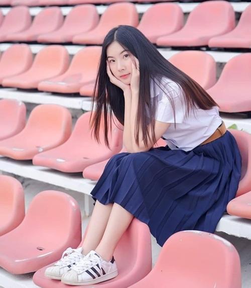 Đồng phục của nữ sinh Thái Lan: Váy ngắn siêu xinh, tôn dáng trưởng thành - 1