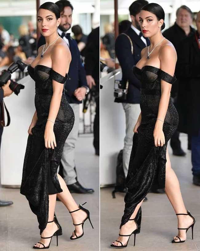 Trên thảm đỏ Cannes cách đây ít lâu, Georgina diện váy hàng hiệu, đeo kim cương lớn lấp lánh trên cổ.