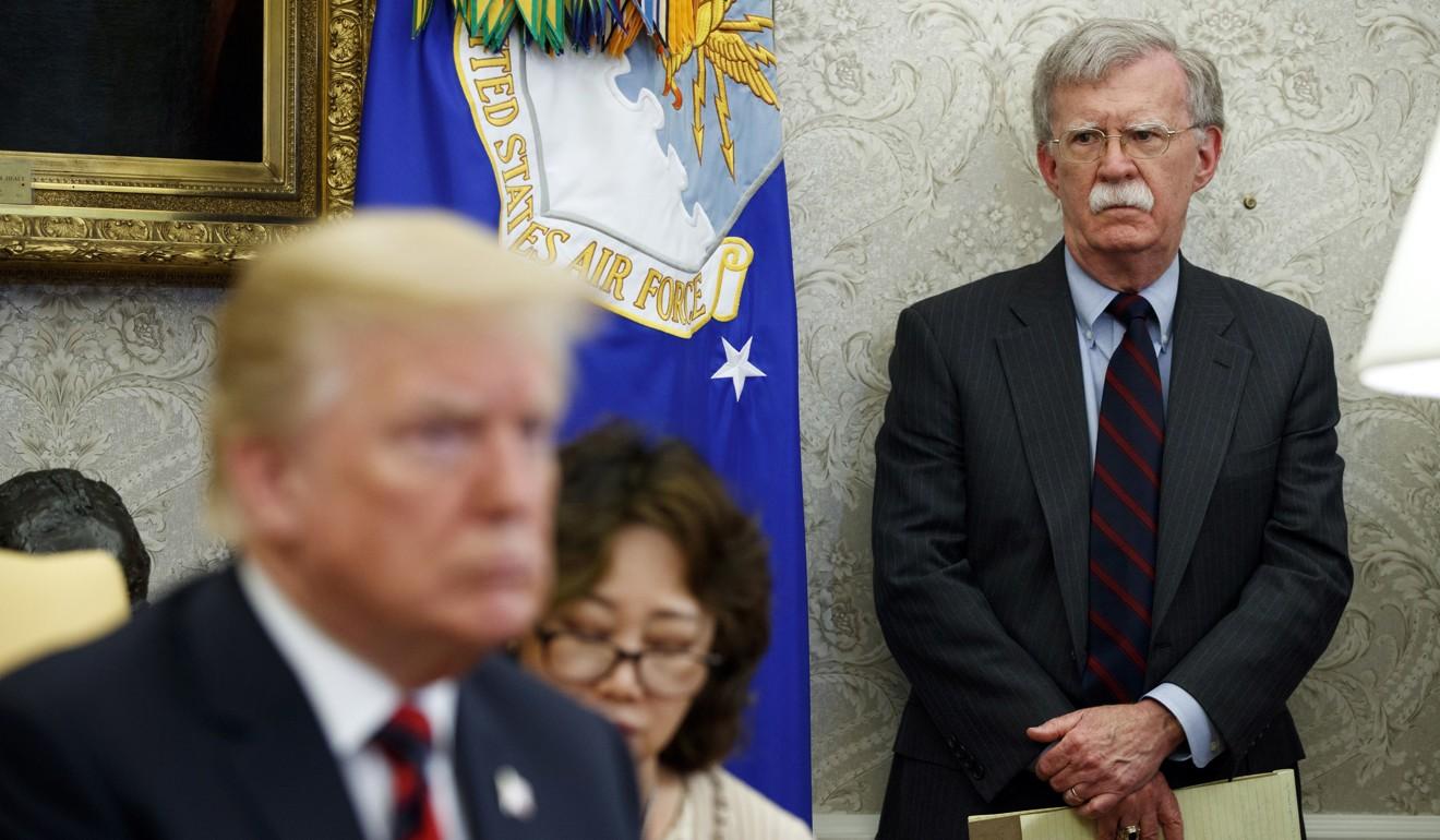 Ông Trump bất ngờ sa thải cố vấn an ninh quốc gia John Bolton - 1