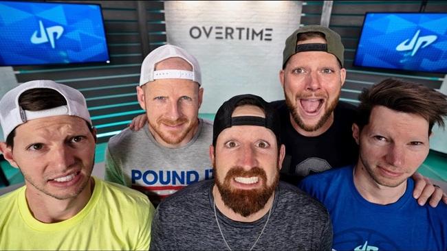 """Dude Perfect là kênh của Cory, Coby Cotton và 3 người bạn đại học kiếm 85.026,78 USD/phút (~1,97 tỷ đồng). Thu nhập năm 2018 là 20 triệu USD. Kênh Dude Perfect được biết đến với các clip dạng đánh lừa, sau đó kênh mở rộng sang các clip hài kịch cũng như các đoạn""""trick shot"""" thực hiện các động tác trong thể thao..."""