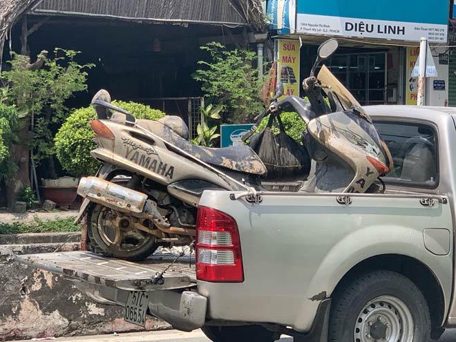 Vụ nhà báo tử vong dưới sông ở Sài Gòn: Đã tìm thấy xe máy của nạn nhân - 1