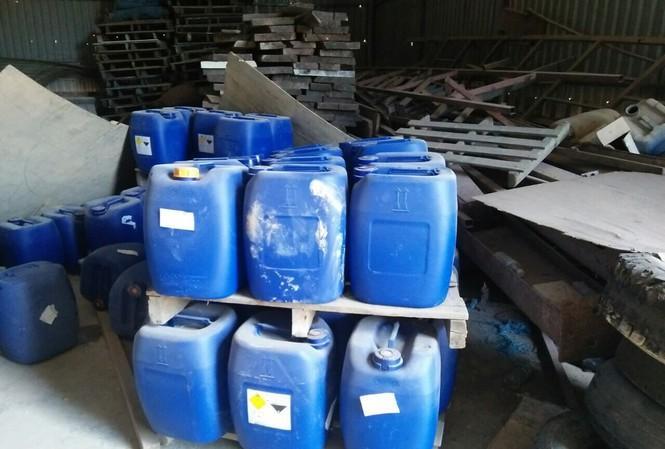 Phát hiện cả kho hóa chất dùng sản xuất ma túy tại Bình Định - 1