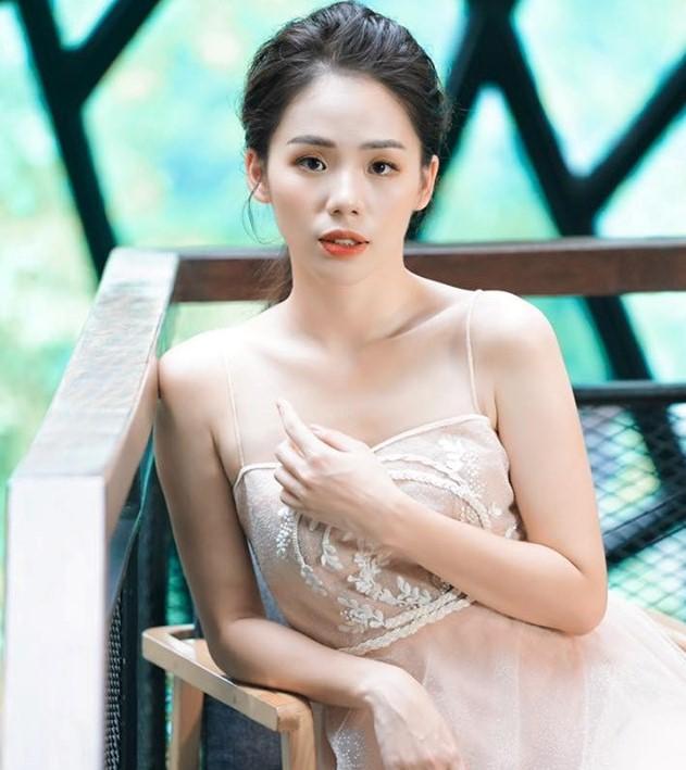 'Youtuber triệu view' Hương Ly thoát mác ca sĩ cover, chính thức tấn công Vpop - 1