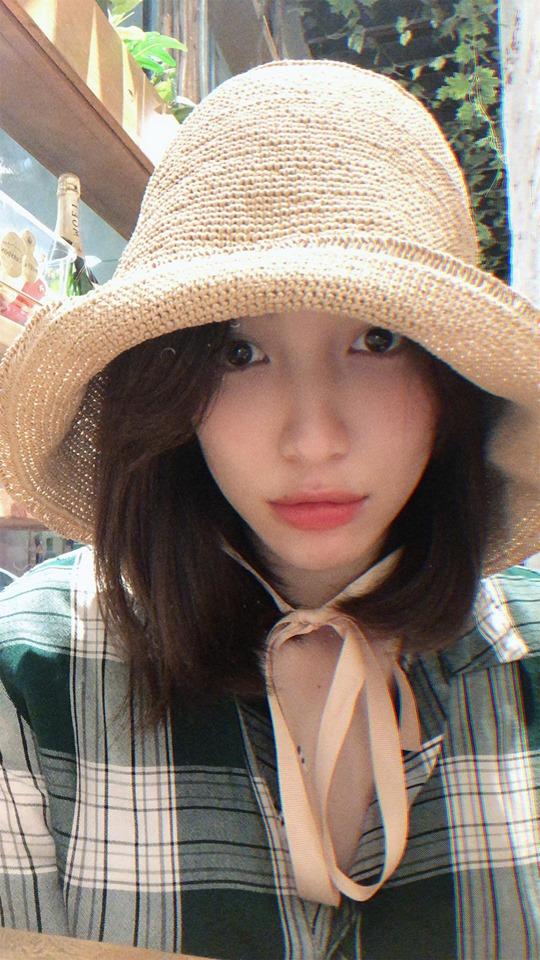 """Hòa Minzy lên tiếng đáp trả khi bị nói """"ăn bám bạn trai thiếu gia"""" - 1"""