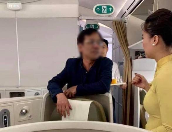 Phạt nhân viên an ninh vụ doanh nhân sờ soạng nữ hành khách trên máy bay - 1