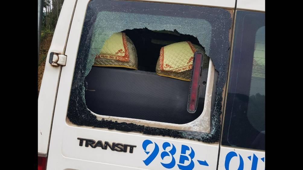 Hé lộ nguyên nhân vụ nổ súng phá hủy ô tô khiến một người trọng thương - 1