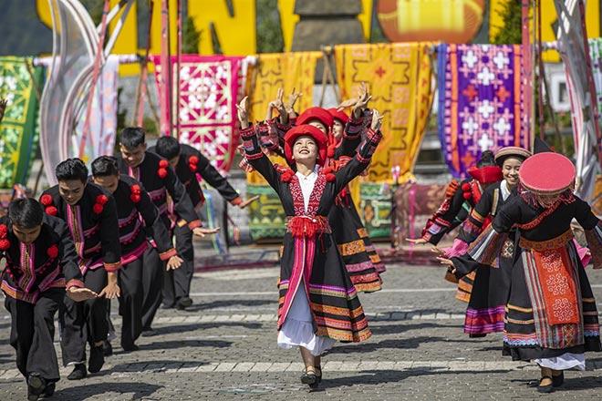 Lào Cai: Hành trình bứt phá của du lịch giàu màu sắc bản địa - 1