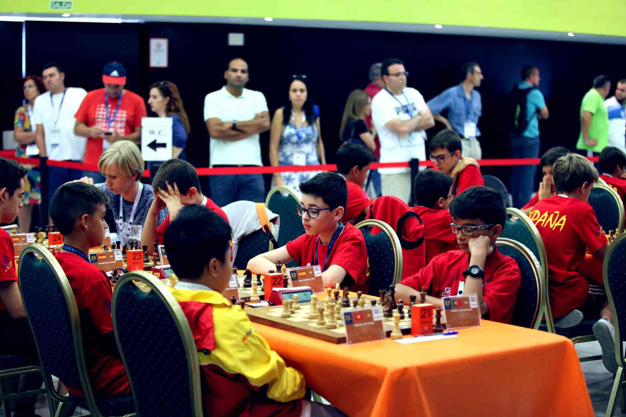 Kỳ thủ Nguyễn Thiên Ngân giành ngôi vô địch cờ vua trẻ thế giới - 1