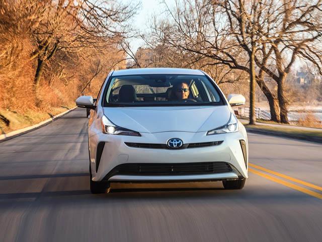 Toyota Prius 2020 phiên bản nâng cấp thêm tính năng hỗ trợ an toàn và Apple CarPlay