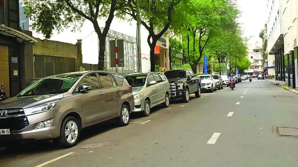 TP.HCM: Kỳ lạ thu tiền gửi xe lỗ gần 700 triệu/tháng - 1