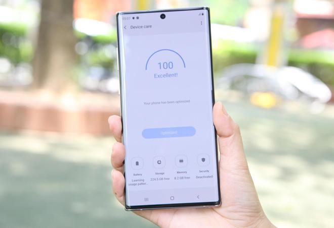 Đây là 5 smartphone cao cấp có pin khỏe nhất thị trường - 1