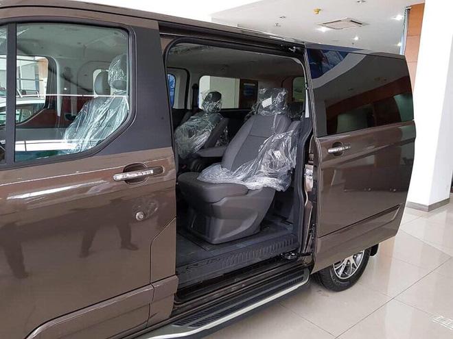 MPV gia đình Ford Tourneo chính thức ra mắt thị trường Việt, giá dưới 1 tỷ đồng - 4