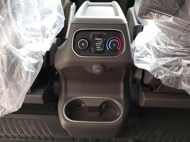 MPV gia đình Ford Tourneo chính thức ra mắt thị trường Việt, giá dưới 1 tỷ đồng - 9