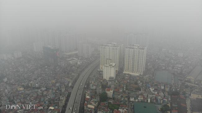 Ảnh Hà Nội ô nhiễm không khí: Trời mù mịt, bụi mịn giăng như sương - 1
