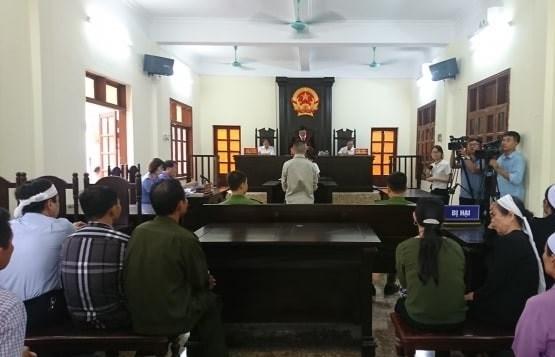 Tài xế xe tải gây tai nạn 8 người chết ở Hải Dương lĩnh 13 năm tù - 1
