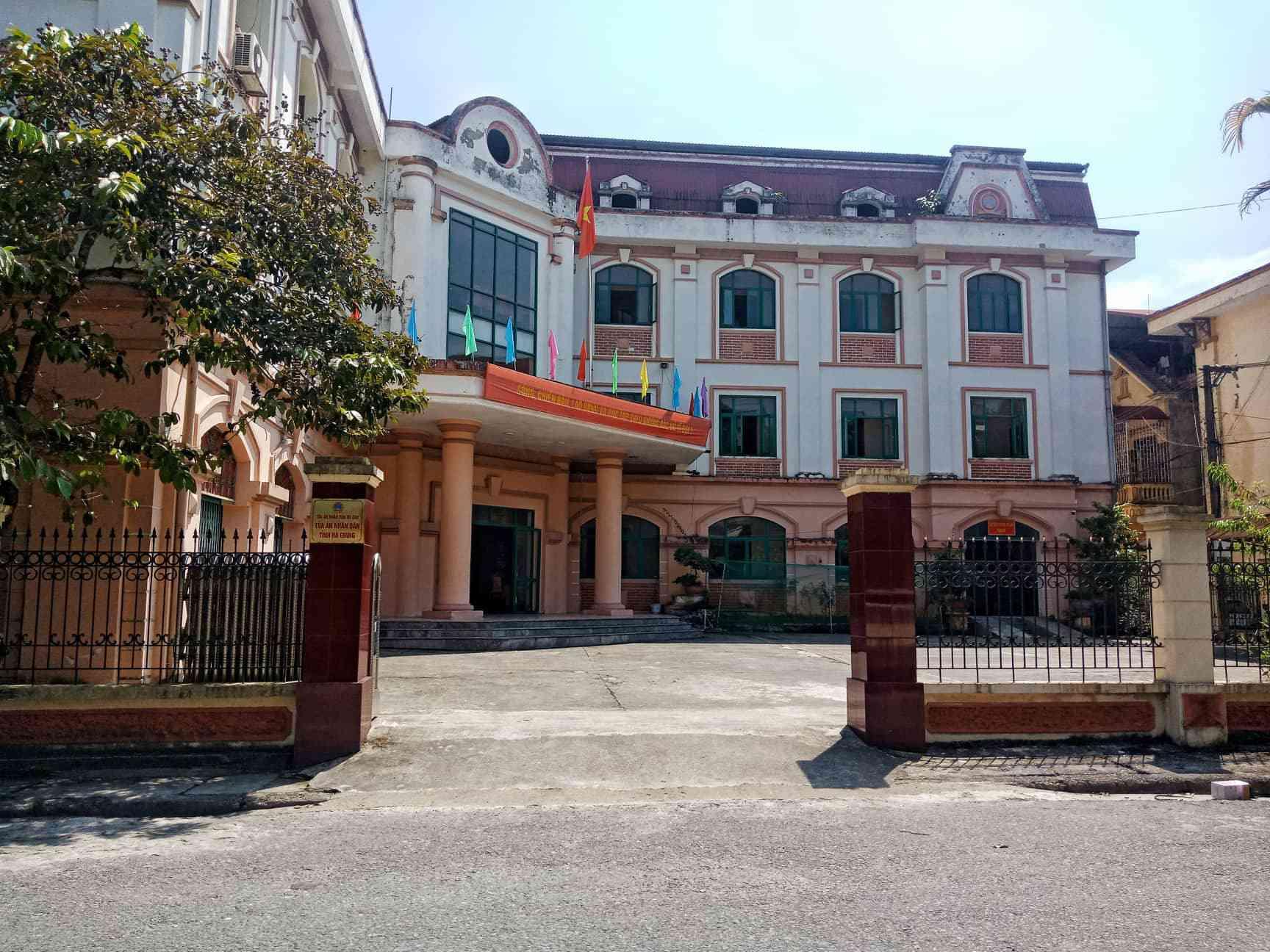 Sáng nay, xét xử 5 bị cáo vụ gian lận điểm thi tại Hà Giang - 1
