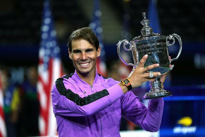 Tiết lộ sốc Nadal không thể tự mặc quần áo: Cảm xúc khó tả, vẫn còn đau đớn - 1