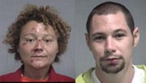 Bị bắt vì say rượu, cản trở giao thông, cặp đôi ân ái ngay trong xe cảnh sát - 1