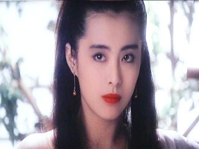 """""""Xà tinh đẹp nhất xứ Trung"""" có thực sự """"trường sinh bất lão"""" như lời đồn?"""