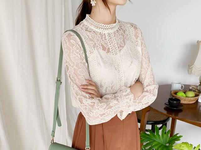 Thời trang công sở mùa thu 2019: Sơ mi cao cổ lên ngôi