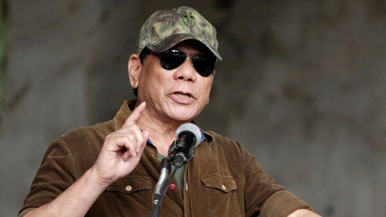 Philippines thả nhầm hơn 900 tội phạm nguy hiểm, ông Duterte muốn bắt lại, không cần sống - 1