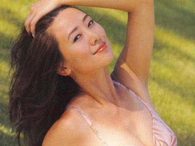 Hoa hậu Hồng Kông đẹp khó tin ở tuổi 50 nhờ cố quên quá khứ