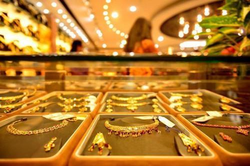 """Giá vàng hôm nay 21/9: Vàng tăng mạnh, lên đỉnh 2 tuần sau """"lệnh trừng phạt"""" - 1"""